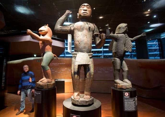 Statues du royaume Dahomey au Musée du quai Branly à Paris