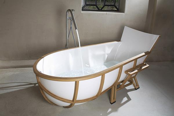 Bathtub by Thomas Linssen 3
