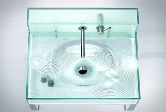 Moody Aquarium Sink 4