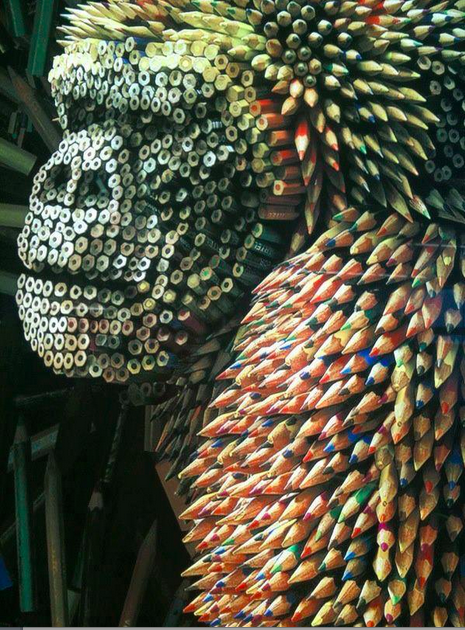 pencils sculptures - gorilla