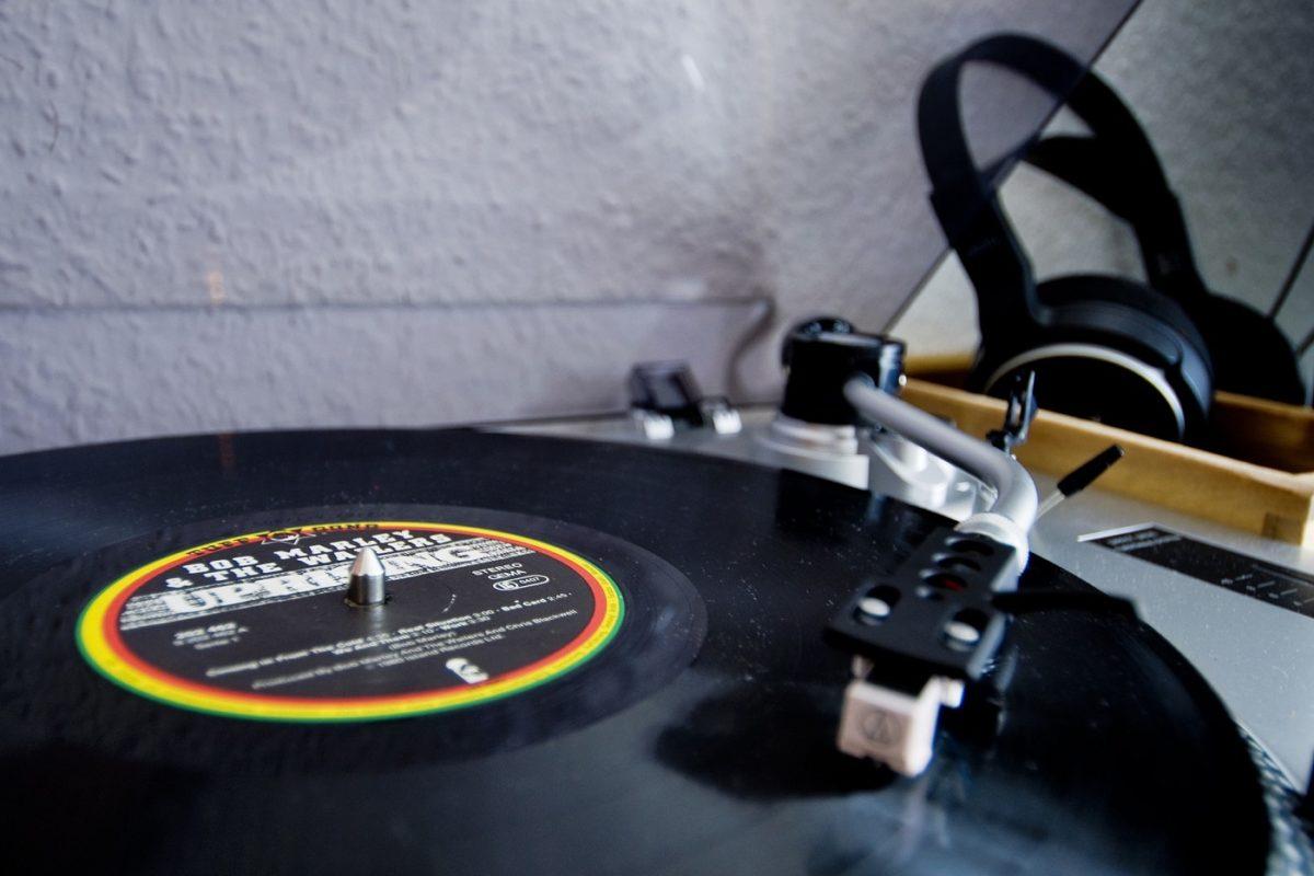 Reggae - turntable - Bob Marley