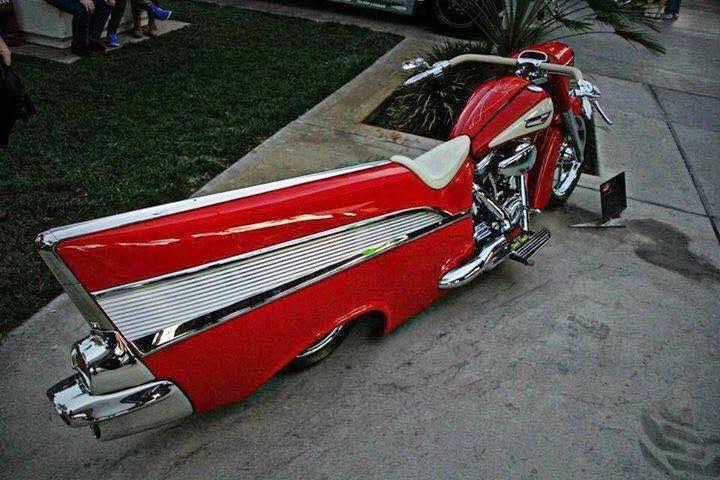 """Chevrolet Bel Air 1957"" custom Harley-Davidson - rouge"